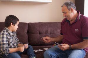 親子でカードゲーム